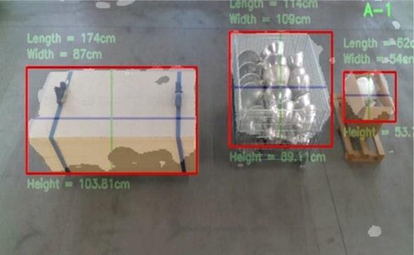 天井カメラからは資材のサイズも細かく確認できる