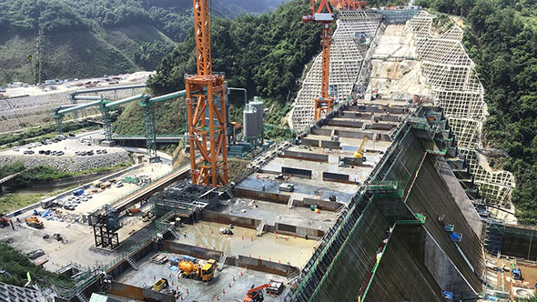 川上ダム本体建設工事