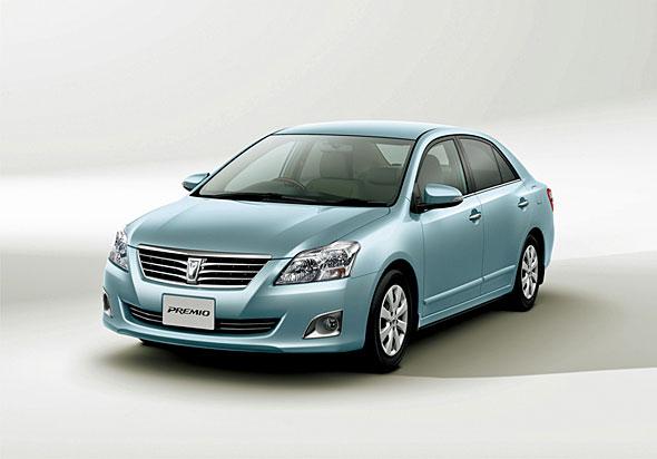 プレミオと兄弟車のアリオンは、日本国内用に生産される数少ないDセグメント現行モデル。コロナからの移行期にはコロナ・プレミオとした販売されるなど、コロナブランドの継承にも留意された
