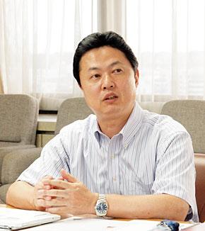 富士通 IT戦略本部 グローバルコミュニケーション基盤推進室 室長の中村元晃氏