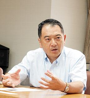 富士通 IT戦略本部 グローバルコミュニケーション基盤推進室 マネージャーの忠岡浄明氏