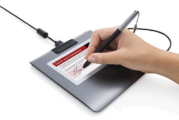 ワコムの液晶サインタブレット「STUシリーズ」(写真はSTU-530)