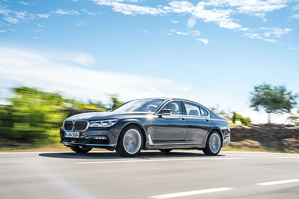 BMW7シリーズのディーゼルモデル730d。環境時代に適応したとも言えるが、一方で最上級のLセグに求められるレベルの洗練性ではガソリンに譲る