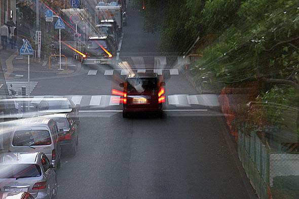 自動車をターゲットにして整合性のない税金を限りなく増やしていくことはそろそろ改めるべきではないだろうか? 軽自動車がシェアの40%に達する状況は、市場が税制へのNOを突きつけているように見える