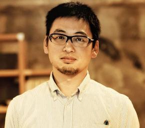 KAIDO books & coffee代表の佐藤亮太さん