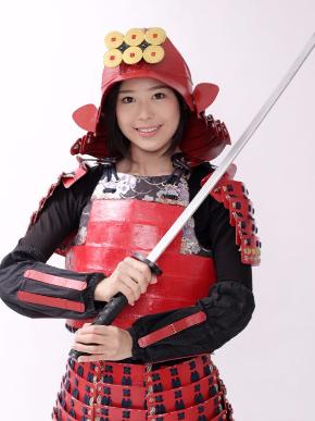 信州上田観光大使を務める筆者。真田幸村の甲冑を身にまとう