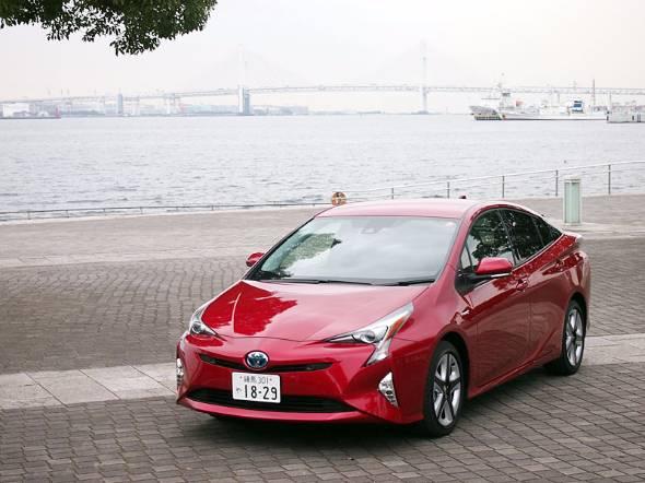 今回試乗した新型プリウス。横浜〜川崎の高速道路をテスト走行した