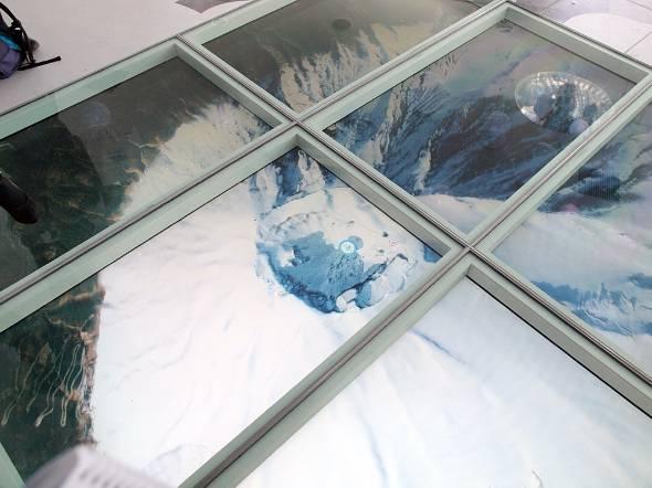 SKYトランポリンで富士山山頂まで。映像はドローンで撮影した実写も使われている