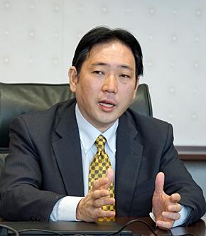 日本マイクロソフト Dynamicsビジネス統括本部 Dynamicsソリューション技術部 部長の御代知克氏