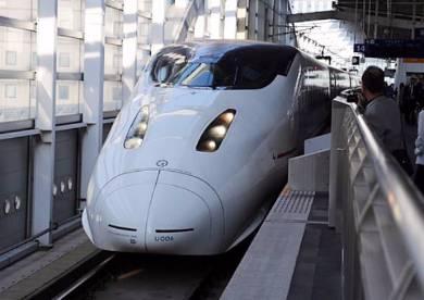 JR九州800系電車 患者輸送に対応した多目的室がある