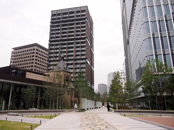 正面左の棟が「紀尾井レジデンス」