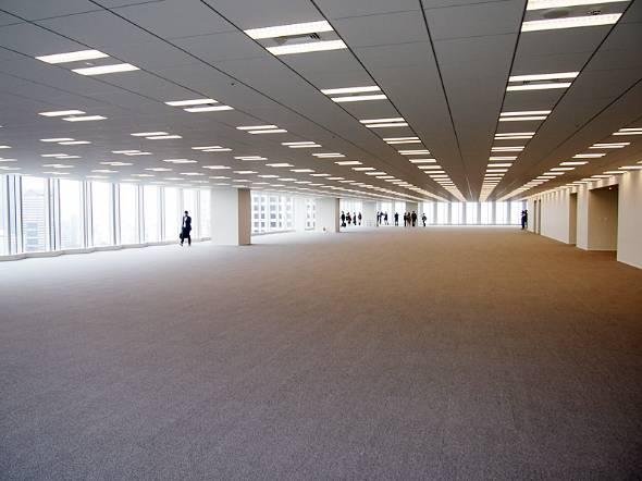 報道陣に公開された25階のオフィスフロア