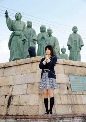 長浜市役所 浅井支所にある浅井ファミリーの銅像