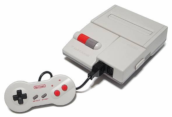 1993年にはAV仕様の新型ファミコンが発売(出典:Wikipedia)