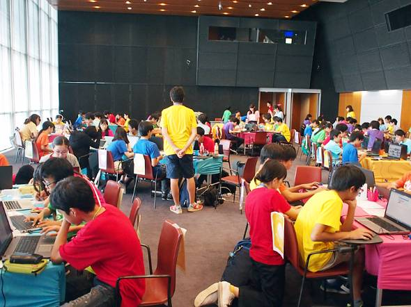 東京大学で開かれたライフイズテックのサマーキャンプ
