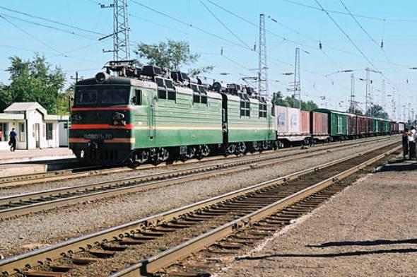 北の沿岸が凍り、道路状況も悪いロシアでは、シベリア鉄道が物流の大動脈になっている(出典:flickr、William Heusmann)