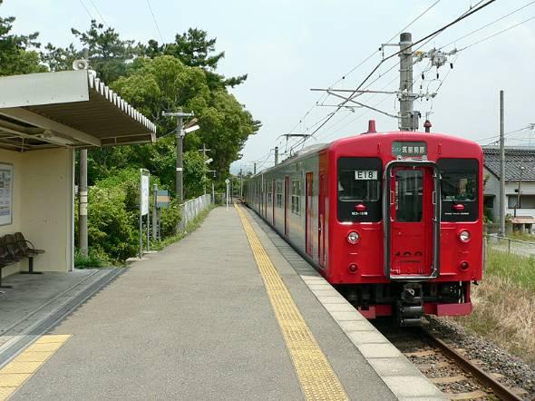 思い出深いJR九州・筑肥線の虹ノ松原駅(2007年に撮影)