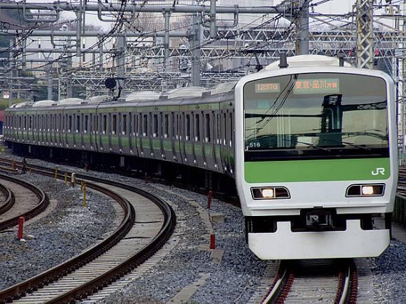首都・東京の中心を環状運転する山手線(出典:Wikipedia)