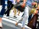 年収と歩行速度は比例する? 高所得者は平均よりも「早歩き」