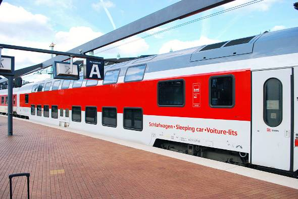 ドイツ鉄道(DB)の寝台車。シティナイトラインと呼ばれている。発足時はドイツ、オーストリア、スイスの国鉄が出資したシティナイトライン社が運行し、現在はDBグループが運行している(出典:flickr)