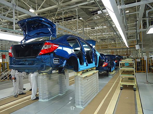 武漢第2工場の組み立てライン。ホンダの場合、中国には広東と武漢にそれぞれ工場を持っている。武漢のキャパシティが12万台増えると、広東・武漢の合計はそれぞれ60万台で拮抗(きっこう)する