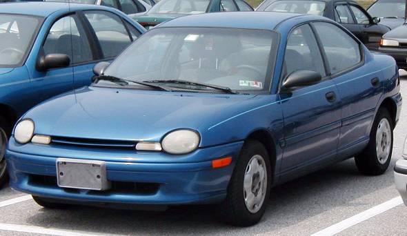 1994年、自動車大国・米国が本気で日本車をつぶしにかかるといううわさの中、登場したクライスラー・ネオン。結果はご存知の通りである(出典:Wikipedia)