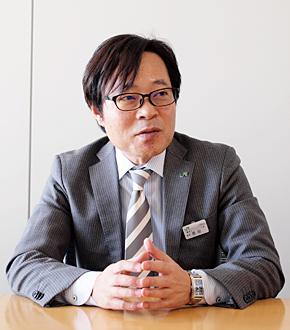 JR東日本 鉄道事業本部 電気ネットワーク部 課長で、COSMOS技術管理・開発プロジェクトのグループリーダーを務める恩田義行氏