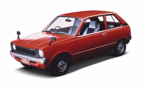 商用ナンバーの税制優遇をうまく商品に生かすことで、軽自動車のマーケット構造を変えたアルト。発売は1979年