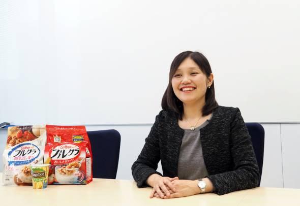 カルビー マーケティング本部 フルグラ事業部 企画部で部長を務める網干弓子さん
