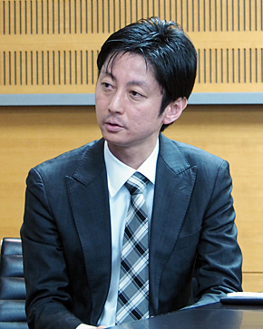 HPE テクノロジーサポート営業統括本部 ソリューション開発本部 第二開発部 部長の岡本俊介氏