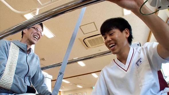 トヨタは、グローバルビジョンで提唱する「笑顔のために。期待を越えて」というスローガンに基づいたパートナーロボットをリリースしていく