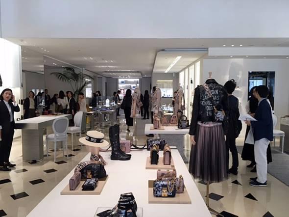 「House of Dior」の1F店内