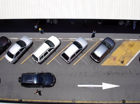 自動車メーカーのビジネスモデルがデジタルで大きく変わる(写真はイメージです)