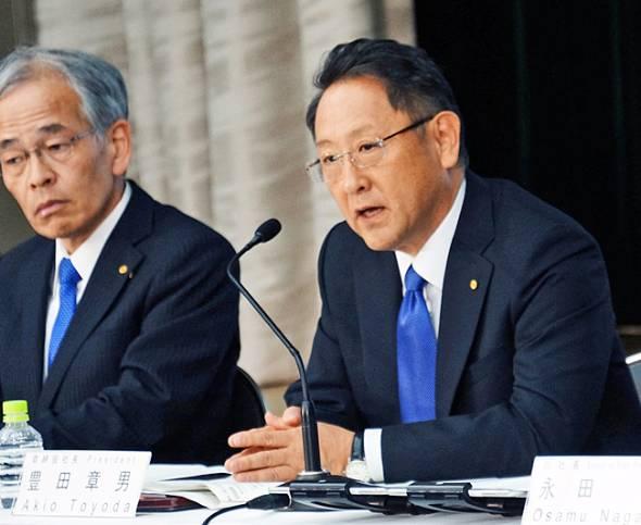 決算発表に臨むトヨタの豊田章男社長