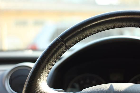 まだクルマの自動運転は存在しない。あくまでも運転支援だ