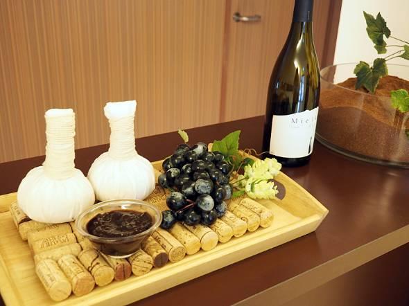 赤ワイン用ブドウを原料としている