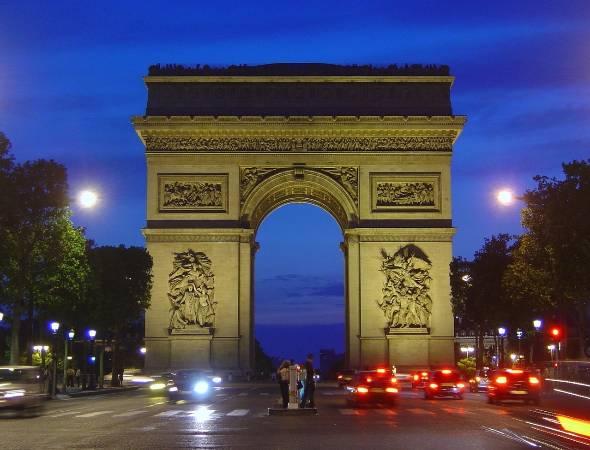 2015年12月12日、フランス・パリで気候変動抑制についての多国間の国際的な協定が決められたが……