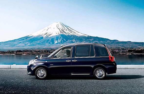 東京のタクシーは約3万台。その8割はトヨタである。そして東京で使った中古が地方へ、地方で使った中古がアジアへと流れていく
