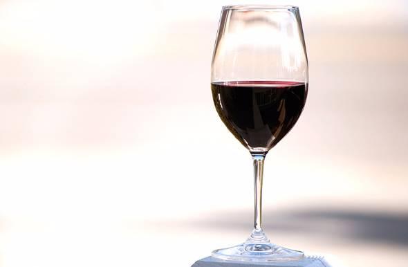 国内のワイン市場は輸入ワインが中心だが、ここ数年で日本ワインの存在感が強まってきている