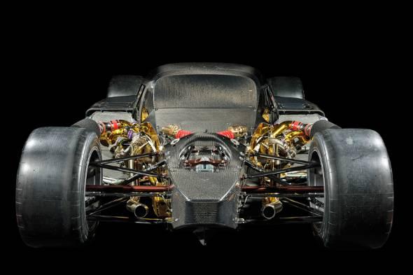 2.4リッターツインターボV6ユニットと組み合わされるのはレース専用のTHS-Rハイブリッドユニット