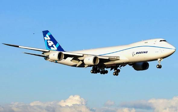 もはや飛行機は路線バスに 超大...