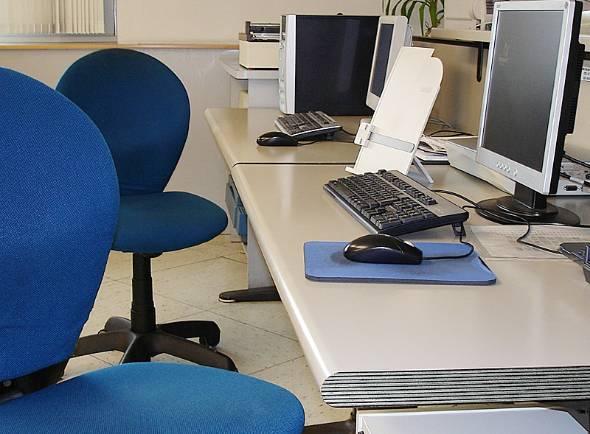 """これまで""""常識""""だったオフィスの固定座席を撤廃して、フリーアドレスを導入しようとする会社は増えているが……"""