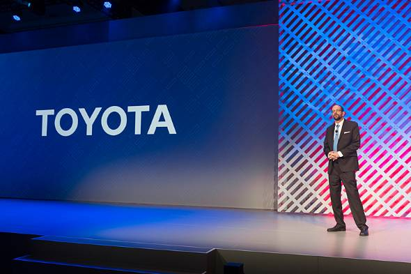 CESで公演するTRIのCEOギル・プラット氏。トヨタはAI開発のカリスマを次々とスカウトし、自動運転やMaaS(Mobility as a Service)に備える