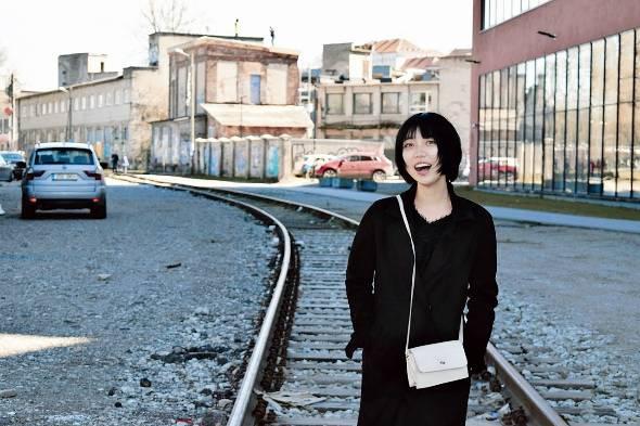 齋藤侑里子さんは日本の「就活」というシステムに乗らない選択をした