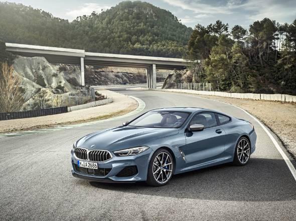 BMW、最上級クーペ「8シリーズ」...