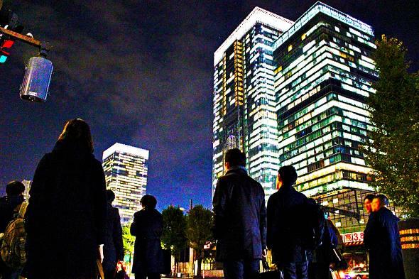 日本の労働人口が減り続ける中、ベテラン社員の活躍が企業にとってますます重要に(写真はイメージです)