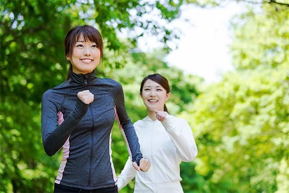 健康的な生活を送るために運動やスポーツに勤しむビジネスパーソンは多い(写真提供:ゲッティイメージズ)