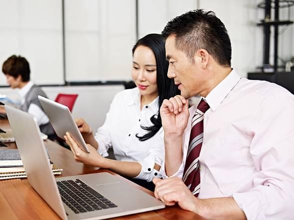 企業の生産性を高めるためには早めのキャリア支援が必要だ(写真提供:ゲッティイメージズ)