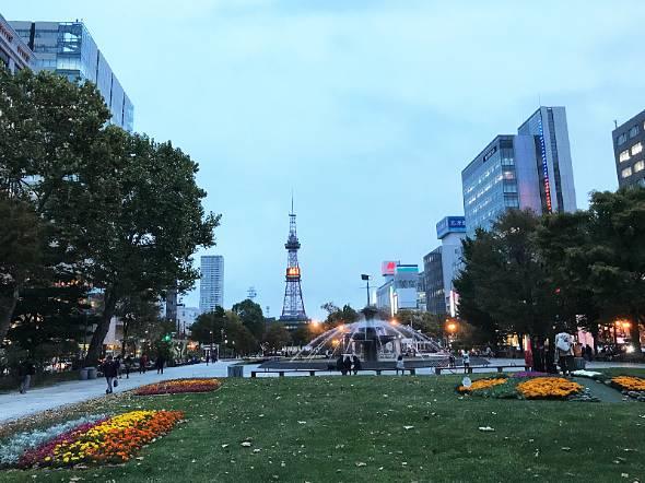 一足早い冬の訪れを感じる札幌の街で「No Maps 2018」という大規模なイベントが開かれた