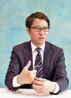 ブイキューブ マーケティング本部本部長の佐藤岳氏